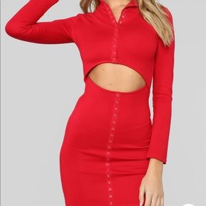 RED SNAP CUT OUT MINI DRESS SIZE XL